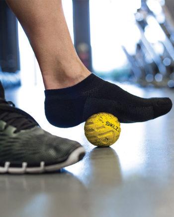 foot-massage-ball-action